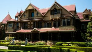 3 interesting facts about the winchester mystery house the ford store morgan hill blog. Black Bedroom Furniture Sets. Home Design Ideas